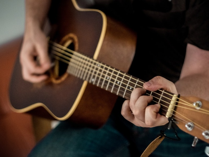 apprendre guitare facilement seul