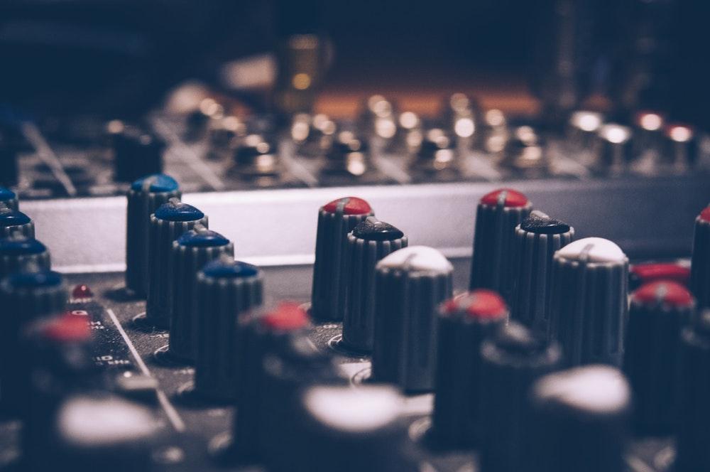 se faire connaitre artiste producteur
