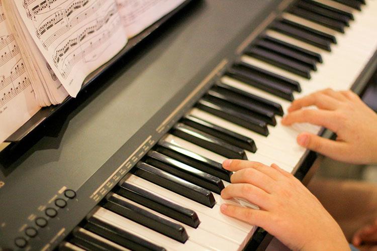 apprendre a jouer instrument
